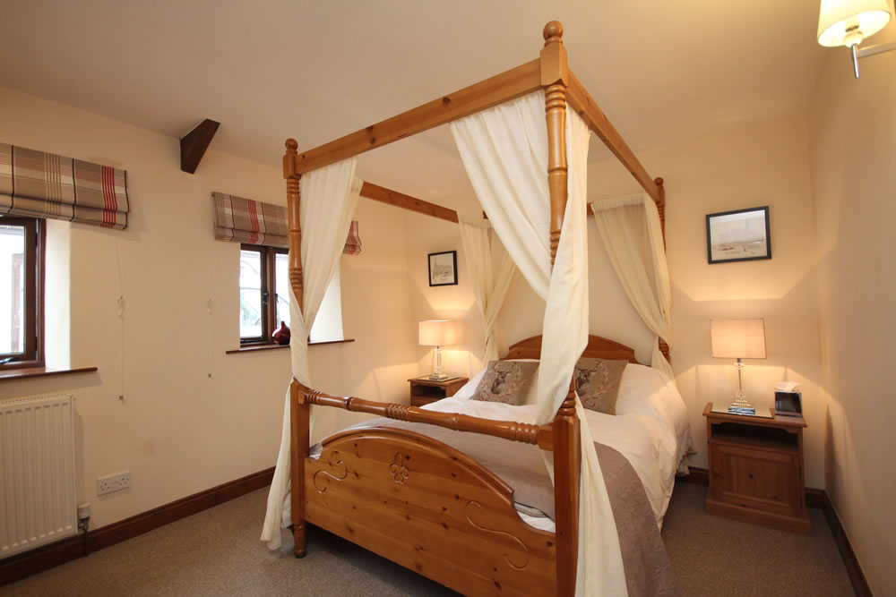 The Cider Barn (Sleeps 6)